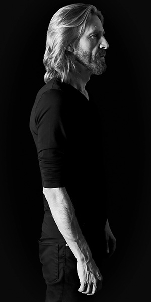 Giulio Casale – R, solista